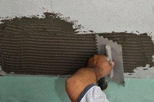 Как класть керамическую плитку